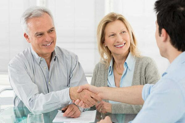 What To Expect When Visiting A Financial Planner